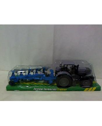 Traktor z maszyną rolniczą G045127