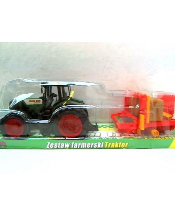 Traktor z maszyną rolniczą G030395